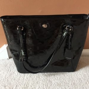 Black Coach Tote in Patent Leather